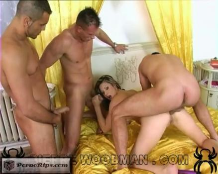 jessica-may-hard-bed-3-1660-540p_full_mp4_00_04_43_00005.jpg