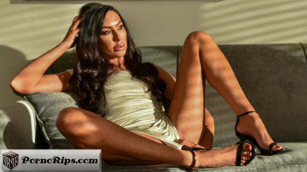 loveherfeet-18-03-30-tiffany-brooks-my-divorce-lawyer.jpg