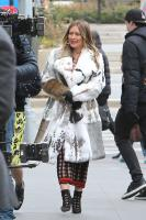 hilary-duff-filming-younger-in-nyc-32718-10.jpg