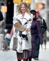 hilary-duff-filming-younger-in-nyc-32718-13.jpg