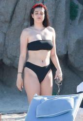 Amelia Gray Hamlin - Bikini candid in Mexico 4/2/18