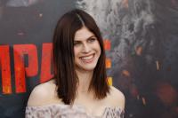 https://t18.pixhost.to/thumbs/104/67585747_picturepub-alexandra-daddario-001.jpg