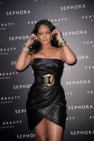 rihanna-wears-black-leather-launching-her-beauty-line-in-milan-4518-5.jpg