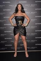 rihanna-wears-black-leather-launching-her-beauty-line-in-milan-4518-6.jpg