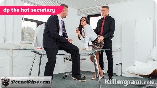 killergram-18-04-07-julia-de-lucia-dp-the-hot-secretary.jpg