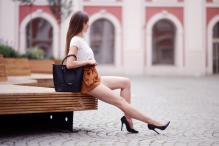 Ariadna Majewska - social media thread 67845846_ari_maj-biala-bluzka-brazowe-spodenki-szpilki