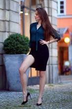Ariadna Majewska - social media thread 67845878_ari_maj-zielona-koszula-czarna-spodnica-szpilki