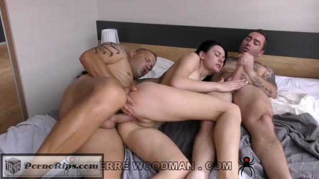 nikki-stills-hard-my-first-dp-with-3-men-9953-540p_full_mp4_00_23_01_00022.jpg