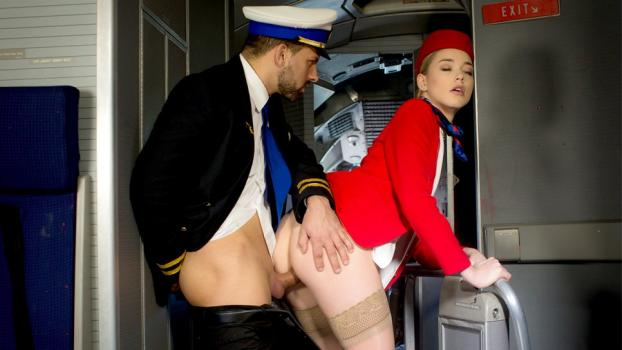 dorcelclub-18-04-13-anny-aurora-is-ready-to-take-off.jpg