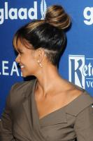 halle-berry-29th-annual-glaad-media-awards-in-beverly-hills-41218-9.jpg