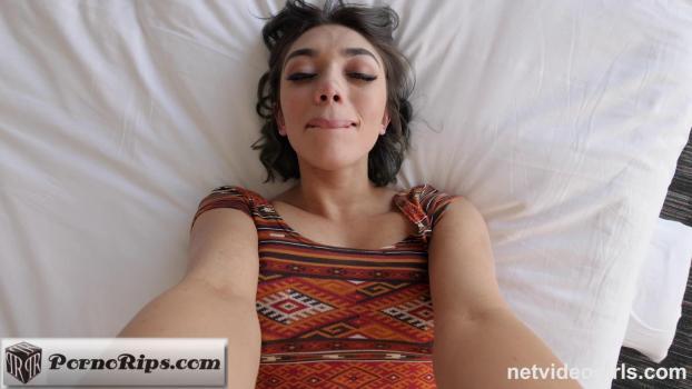 netvideogirls-18-04-10-luci.jpg