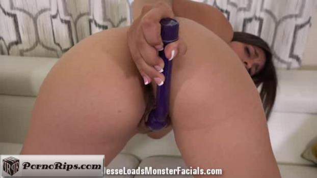 jesseloadsmonsterfacials-18-04-19-ella-knox-bonus.png