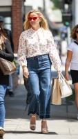 reese-witherspoon-on-her-way-to-some-business-meetings-in-la-42318-3.jpg