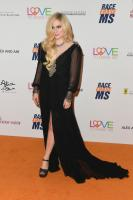 avril-lavigne-25th-annual-race-to-erase-ms-gala-in-beverly-hills-42018-3.jpg