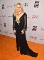 avril-lavigne-25th-annual-race-to-erase-ms-gala-in-beverly-hills-42018-8.jpg