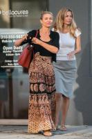 cameron-diaz-leaving-a-nail-salon-in-beverly-hills-41318-11.jpg