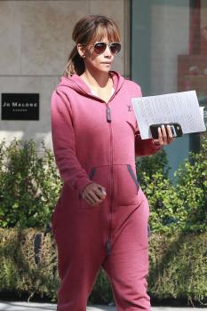 Halle Berry - Looking Very Casual Out In Beverly Hills (4/26/18)