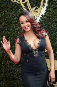 Vivica A. Fox - 45th Annual Daytime Emmy Awards in Pasadena (4/29/18) Cleavage!