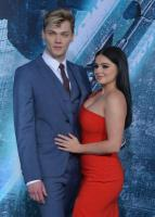 66795947_ariel-winter-supports-levi-meaden-at-pacific-rim-uprising-premiere-2.jpg
