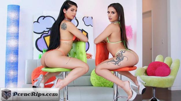 swallowed-18-03-25-gina-valentina-and-jynx-maze.jpg